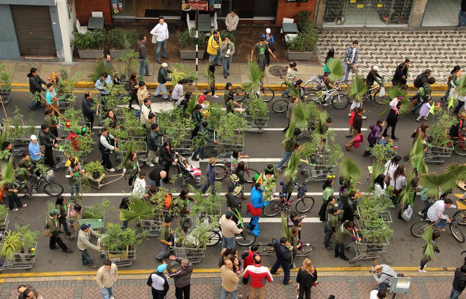 Plantón Móvil 2011 / Miraflores / 200 participants